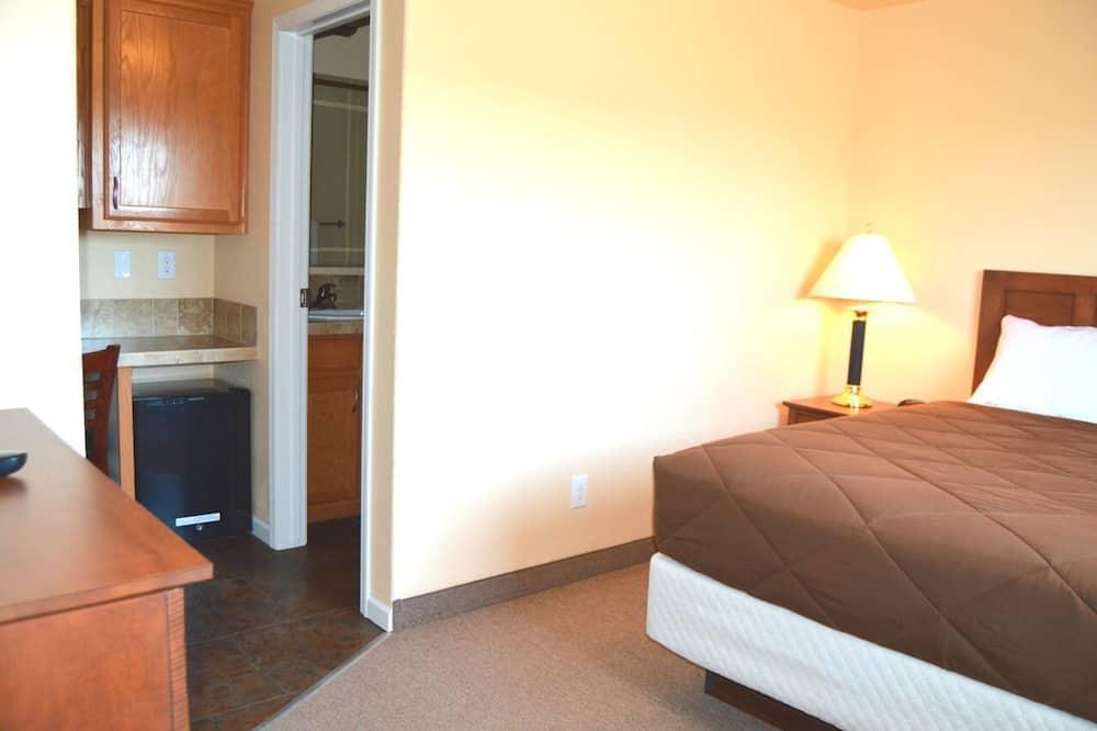 Standarta vienvietīgs numurs, 1 divguļamā karalienes gulta - Dzīvojamā zona