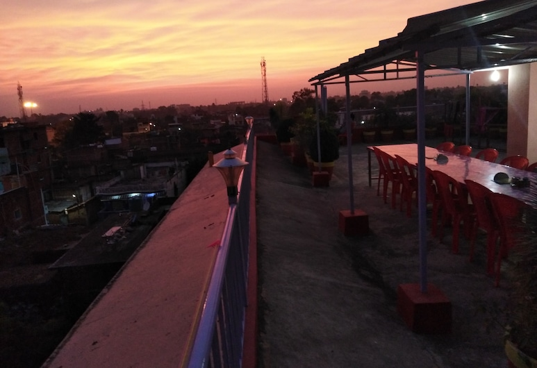 昆丹巴扎爾民宿, 加雅, 陽台