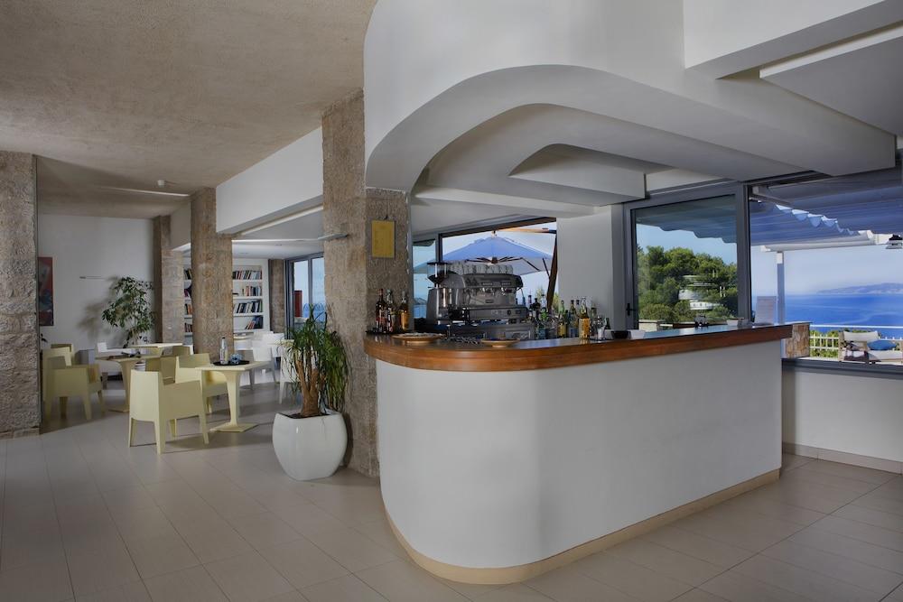 Prenota Hotel L\'Arenella a Isola del Giglio - Hotels.com