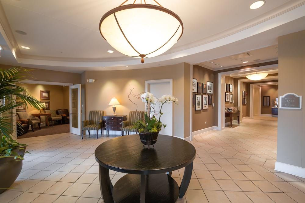 The Glen Club Glenview Interior Entrance