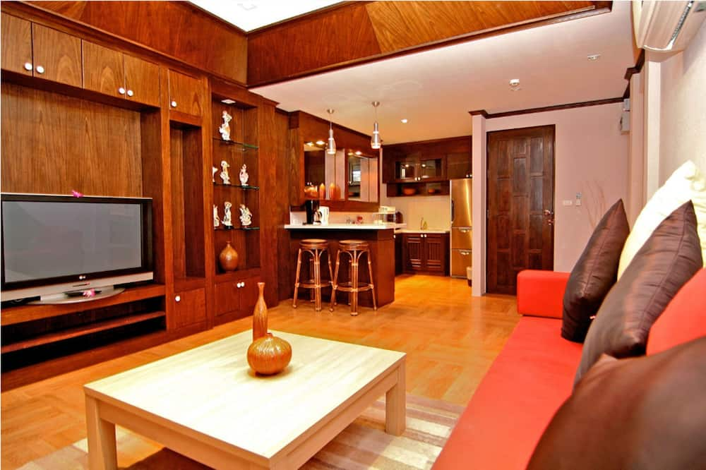 One-Bedroom Suite - In-Room Dining
