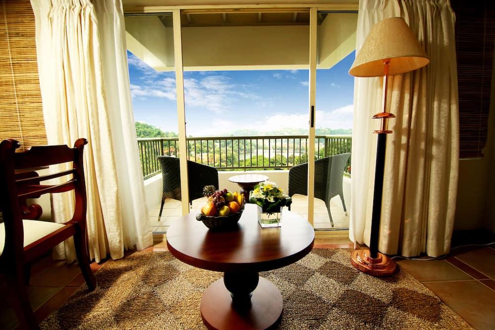 Kings Pavilion Villa With Lake View - Balcony