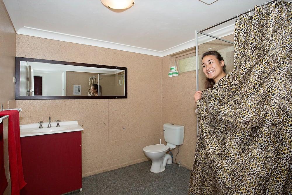 Habitación doble, baño compartido - Baño
