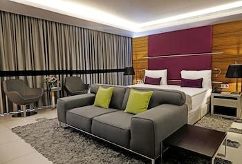 Picture of Warwick Stone 55 Hotel in Zalqa