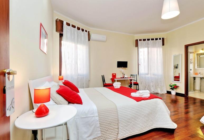 Alloggio Re Di Roma, Rome, Deluxe Double Room, 1 Bedroom, Private Bathroom, Guest Room