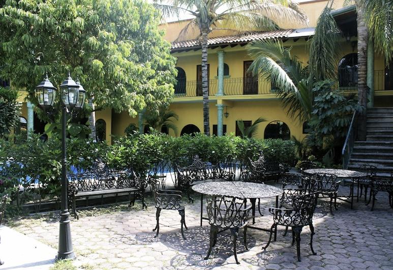 Hotel Oaxtepec, Yautepec, ארוחה בחוץ