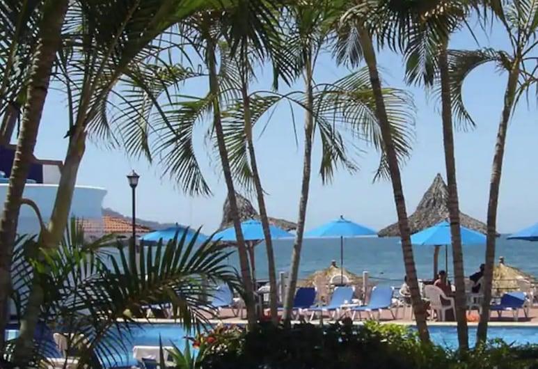 Casablanca Resort, Rincón de Guayabitos, Terrenos del establecimiento