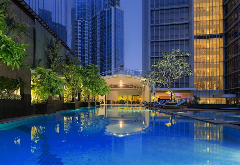 Oakwood Premier Cozmo Jakarta, Jakarta, Outdoor Pool