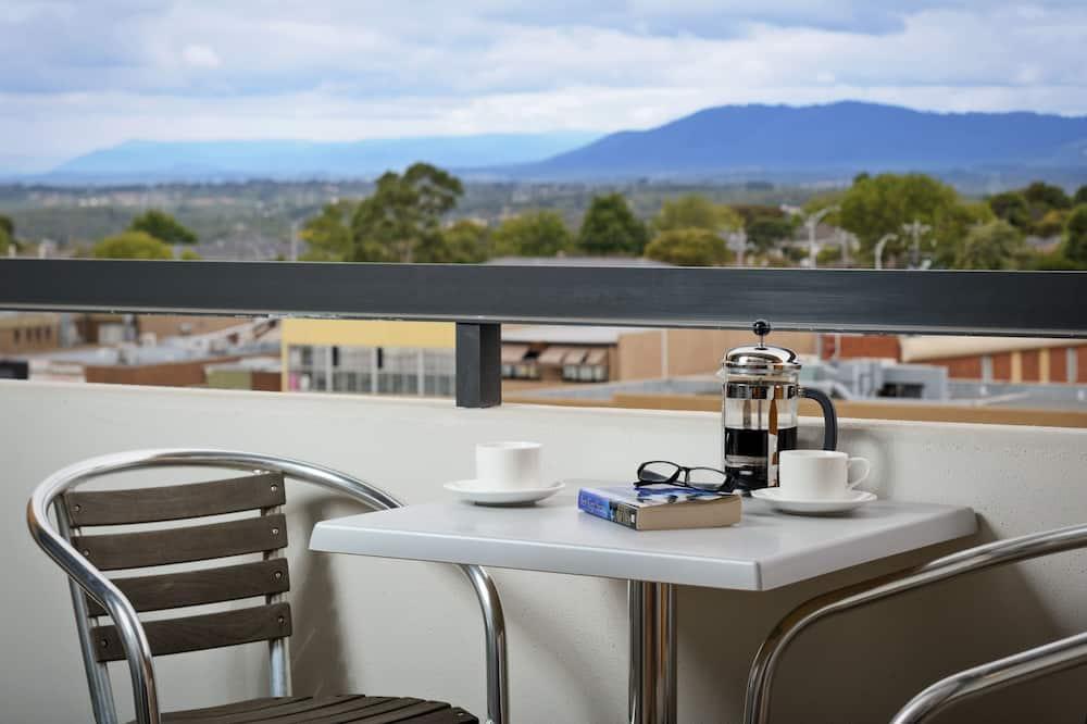Апартаменты, 2 спальни, кухня - Балкон