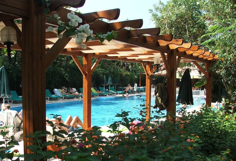 Perdikia Beach Hotel, Fethiye, Buitenzwembad