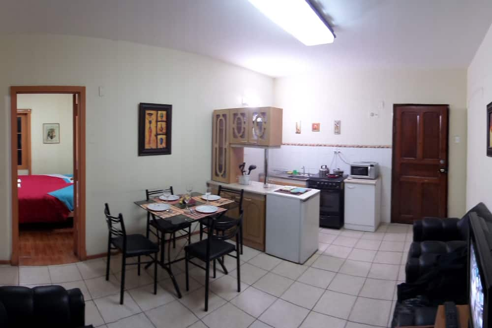 Appartement de 2 chambres - Restauration dans la chambre