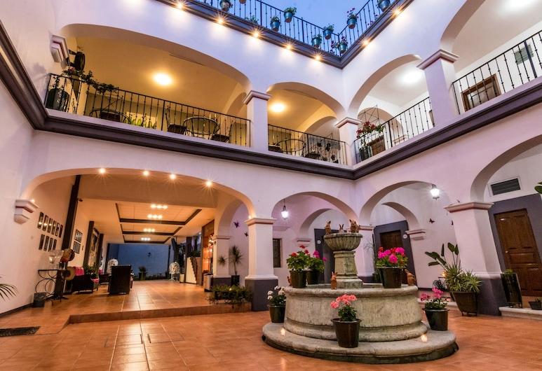 Hotel del Marquesado, Oaxaca, Lobby