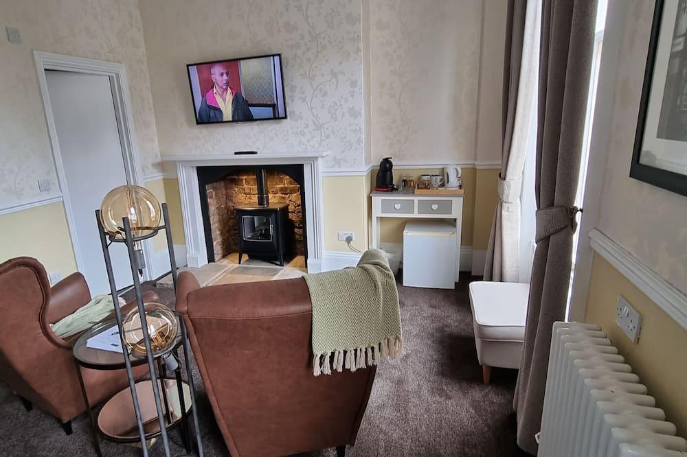 Paaugstināta komforta divvietīgs numurs, vannasistaba numurā (Deluxe Superking) - Dzīvojamā zona