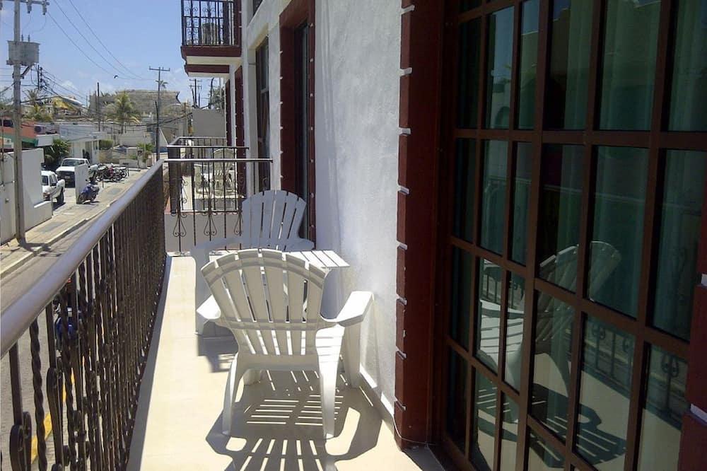 Habitación Premium doble, 2 camas de matrimonio, balcón, vistas a la ciudad - Balcón