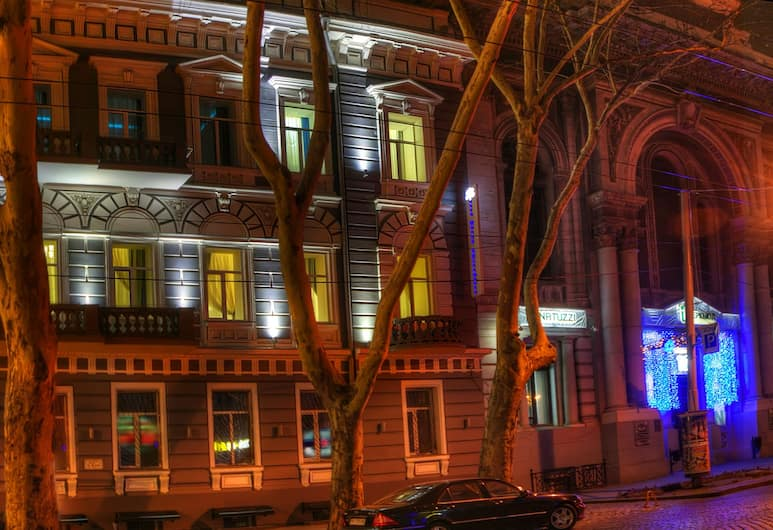 Metro Hotel Apartments, Odessa, Hotel Front – Evening/Night