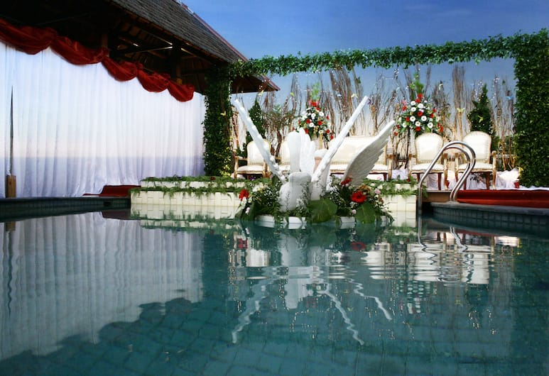 Cemara Hotel, Djakarta, Födelsedagsområde