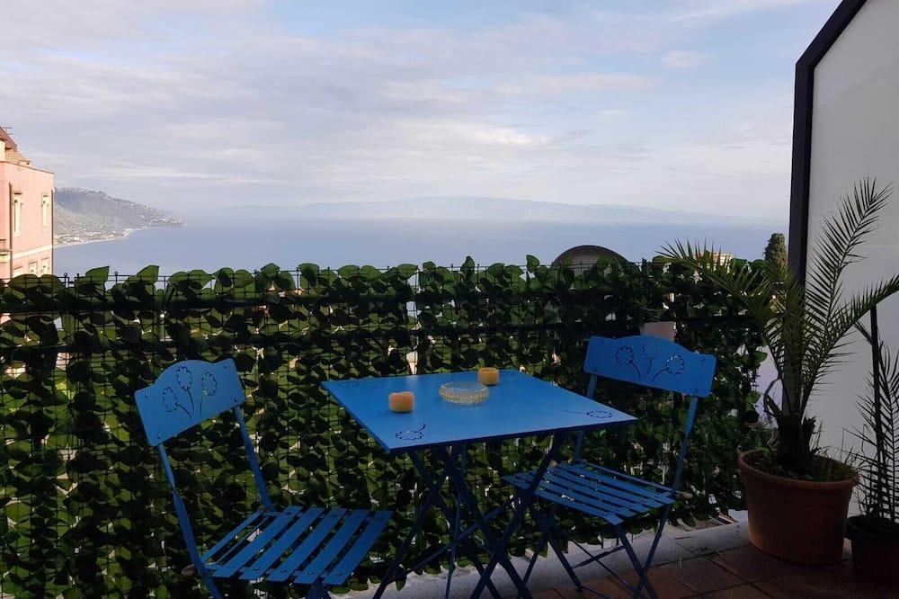 Панорамная студия-люкс, мини-кухня, вид на море - Балкон