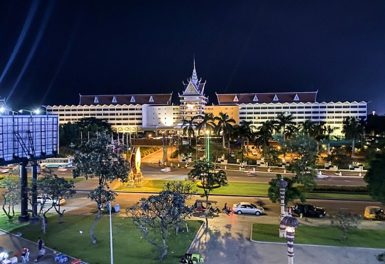 Jing Du Hotel, Phnom Penh, Hotel Front – Evening/Night