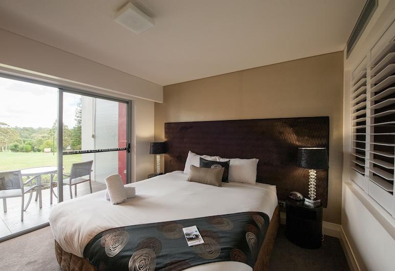City Golf Club Motel, South Toowoomba, Executive Queen Spa with view, Svečių kambarys