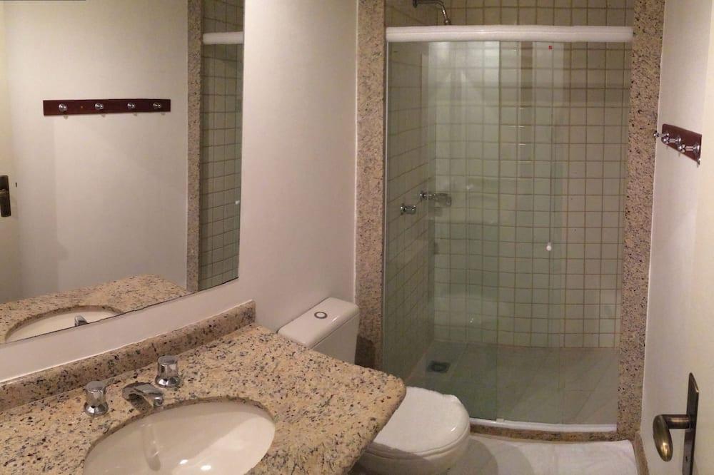 Superior Quadruple Room, 2 Bedrooms - Bathroom