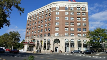 Picture of Riviera Hotel in Newark