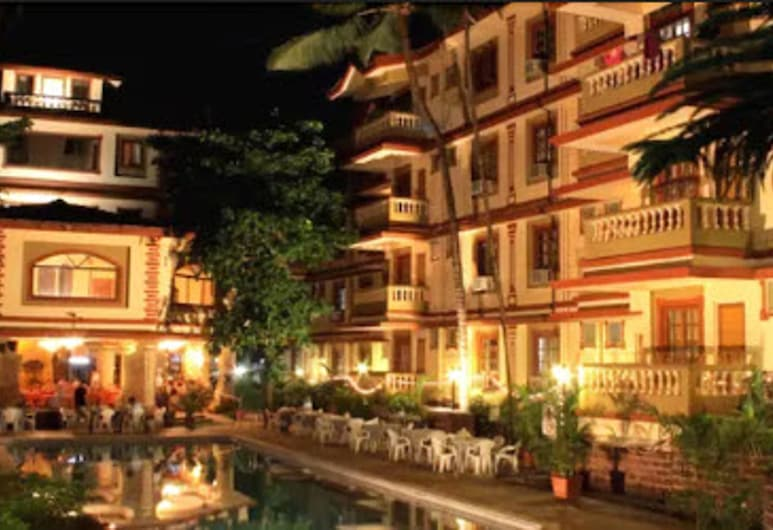 Highland Beach Resort, Candolim, Πρόσοψη ξενοδοχείου - βράδυ/νύχτα