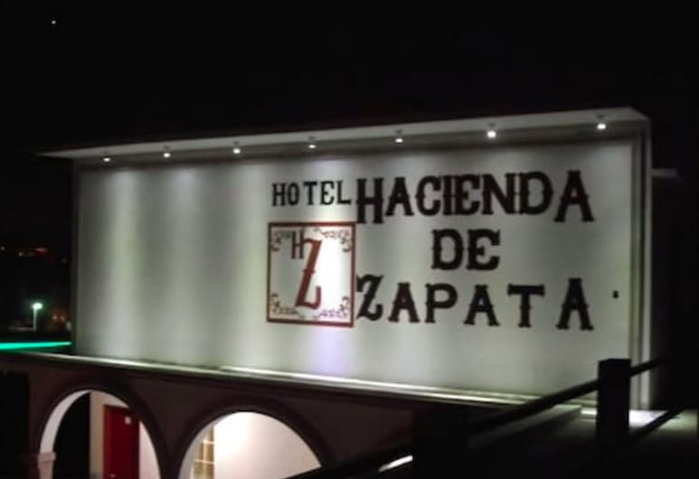 Hotel Hacienda de Zapata, Cuernavaca, Hotel Front – Evening/Night