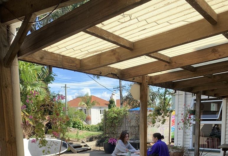 City Garden Lodge - Hostel, Oklandas, Įėjimas į viešbutį