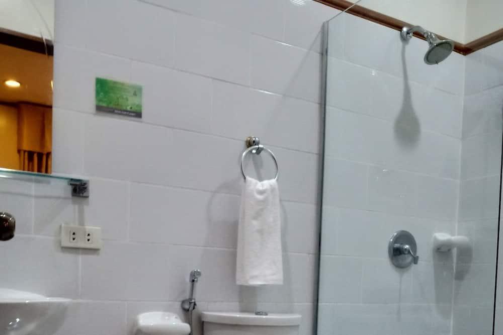 Honeymoon Air Conditioned Room  - Baño