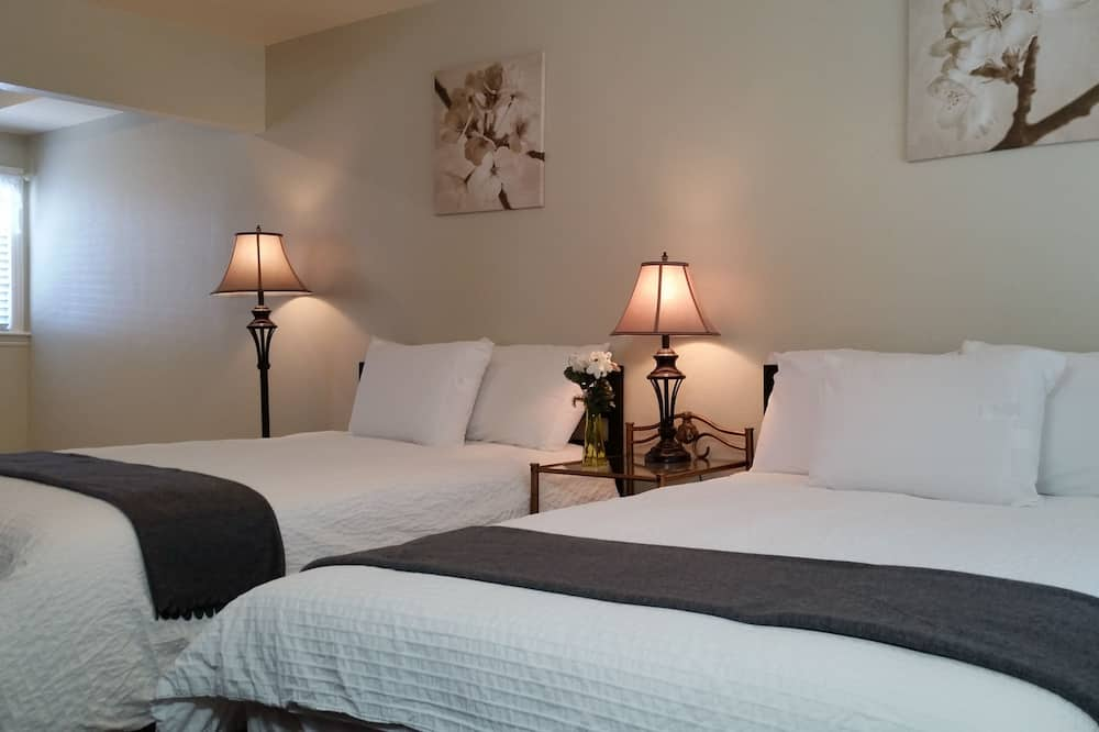 Family Suite, 2 Bedrooms, Kitchen, Mountain View - Guest Room