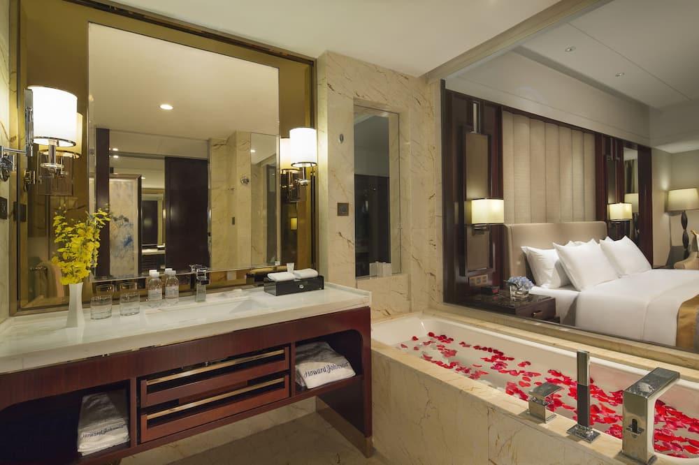 Номер із покращеним обслуговуванням, 1 ліжко «кінг-сайз» (32 Square) - Ванна кімната