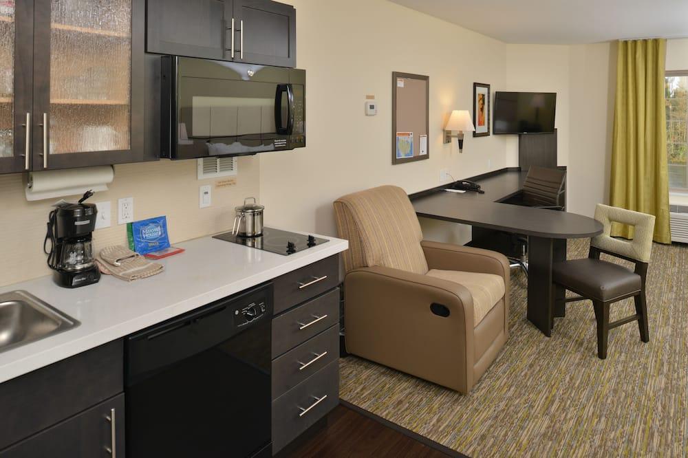 Suite-Estúdio, 1 cama king-size, Acessível (Comm, Mobil Tub) - Área de Estar