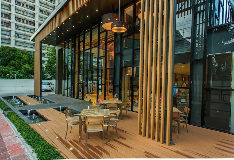 Hotel Icon Bangkok Sukhumvit, Bangkok, Terrace/Patio