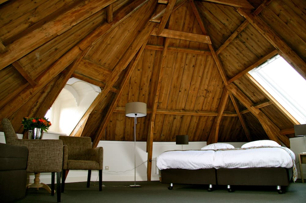Junior Suite, 1 King Bed - Guest Room