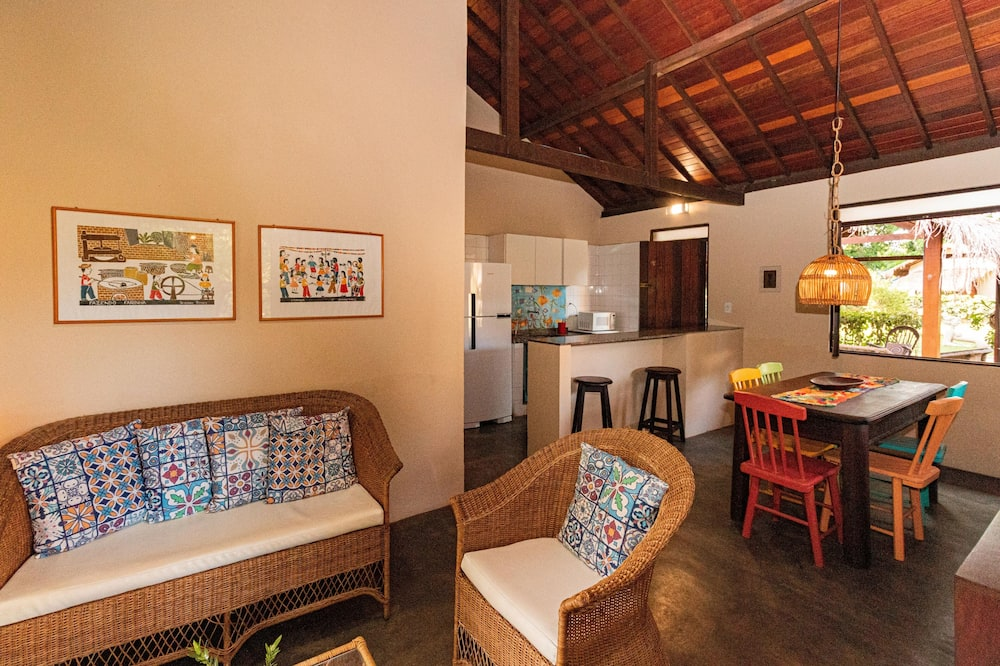 Family Bungalow - In-Room Dining