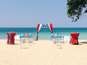 Picture of Coral Seas Beach Resort in Negril