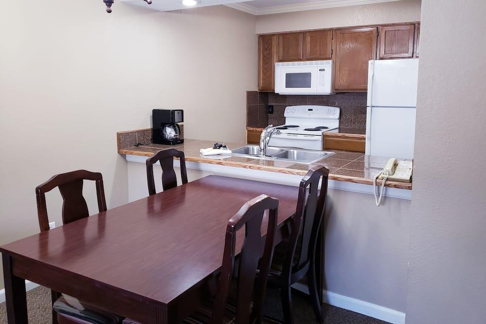 Dvokrevetna soba - Obroci u sobi