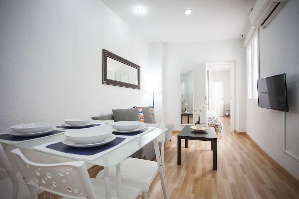 Apartment, 1 Bedroom (4 people) - Living Room