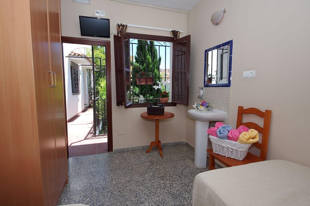 Habitación estándar con 2 camas individuales, baño compartido - Cuarto de baño