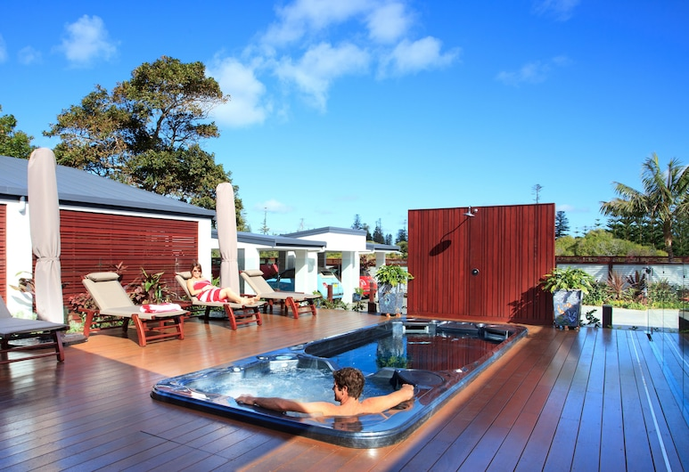 The Tin Sheds, Norfolk Island, Outdoor Spa Tub