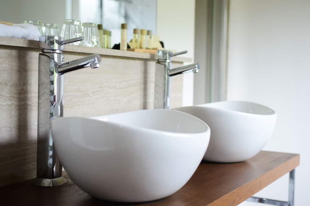 Penmaen - Bathroom