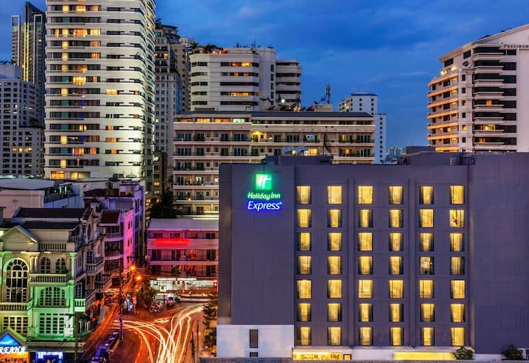 Holiday Inn Express Bangkok Sukhumvit 11, Bangkok, Extérieur