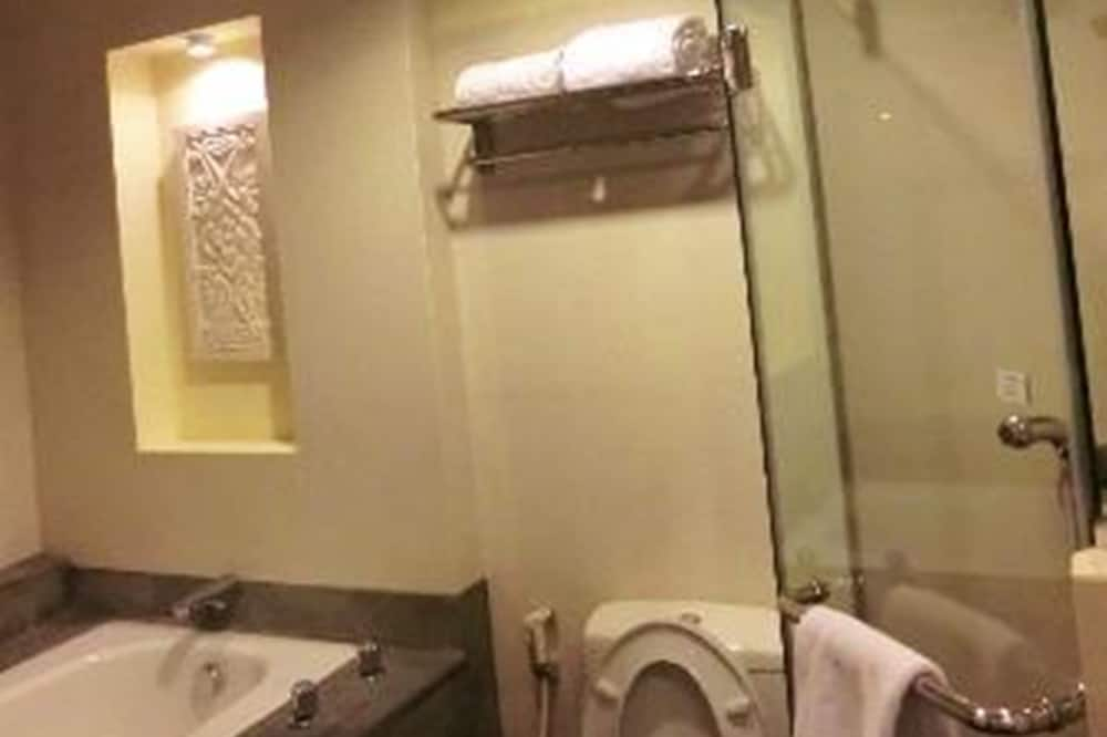 Harmoni Pool Suite - Bathroom