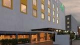 Pilih hotel menengah di Chennai