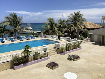 Nuotrauka: Cariblue Beach Hotel and Scuba Diving Resort, Montego Bėjus