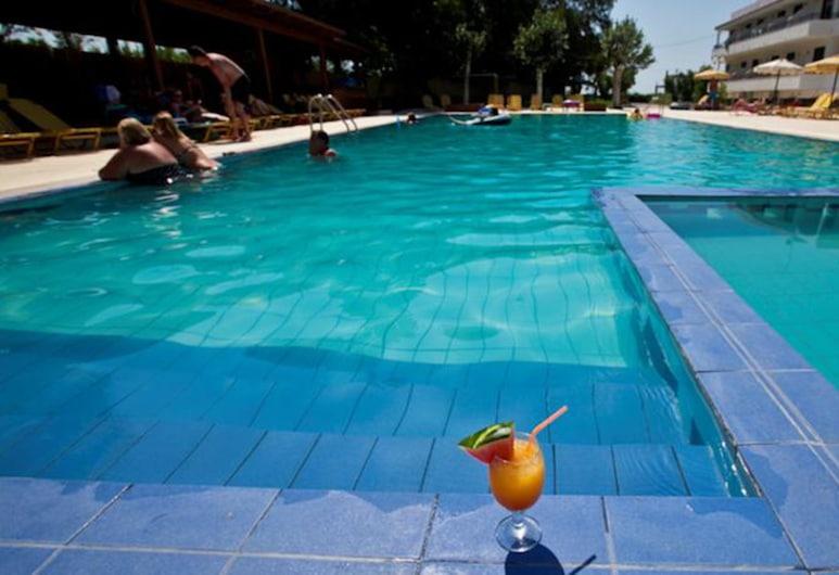 Sivila Hotel, Rodosz, Kültéri medence