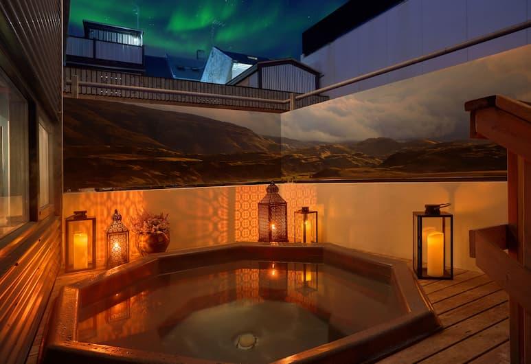 Alda Hotel Reykjavik, Reykjavík, Heitur pottur úti