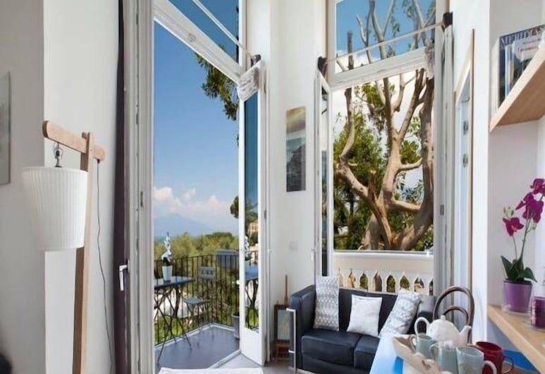 Agora Apartments, Sorrento, Deluxe Apartment, Sea View, Room