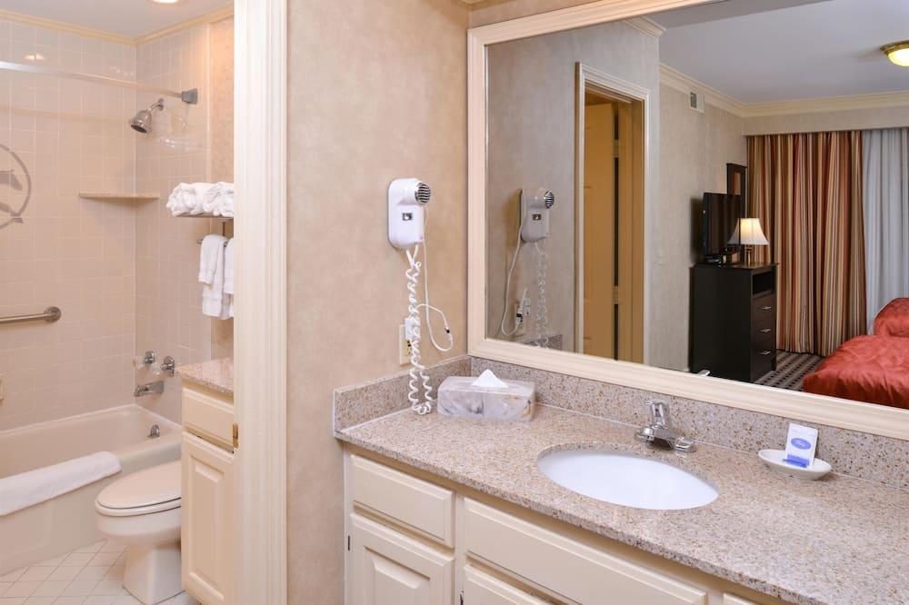 標準客房, 2 張加大雙人床, 非吸煙房, 冰箱 - 浴室