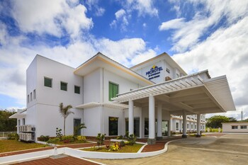 Picture of Microtel Inn & Suites By Wyndham South Forbes Near Nuvali in Silang